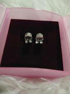 375 White Gold Diamond Earrings