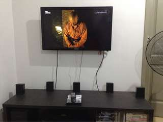 SAMSUNG 32 INCH LED FLAT SCREEN TV