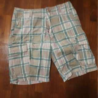 🚚 chequered shorts/pants/bermudas sz 33