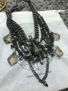 Korean jewel necklace in Metallic grey