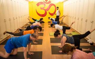 60-Min Hot Yoga or Yoga Class for 1 Person (4 Sessions)