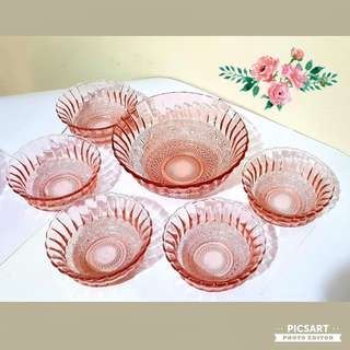 Very Pretty 1970s Vintage Pink Glass Bowls with Embossed Pattern, 4pcs big ones and 5pcs small ones. Sizes as in photo. Good Condition, no chip no crack. All 9pcs for $36 Clearance Offer! Sms 96337309.