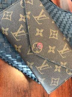 (clearance!) LV wallet / Louis Vuitton