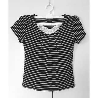 🌸SALE🌸 Black and White Stripes Top