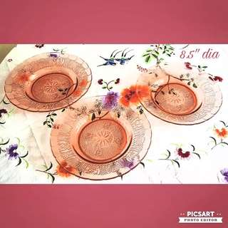 Vintage Pink Glass Plates. Sizes as in the photos. Good Condition, unused, no chip no crack. All 3pcs for $8 Clearance offer! Sms 96337309.
