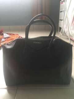(Reduced price)Givenchy bag