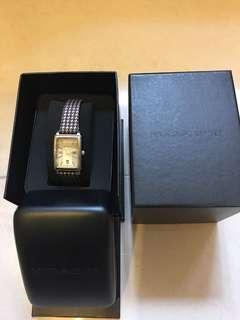 EMPORIO ARMANI 女裝名牌石英手錶,格仔布錶帶,優雅大方,9成新,原庄盒