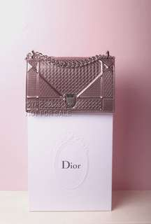 Diorama Metallic Pink Medium Chain Bag