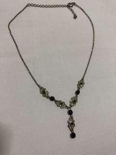 黑色水晶䬶頸鍊