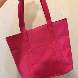 🚚 粉色手提包