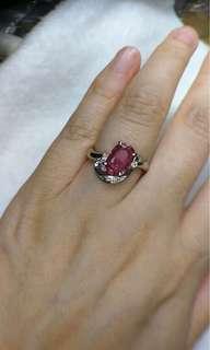 天然粉色藍寶石1.84ct。鑽石0.08ct。PT900。指圈11號。6.3g
