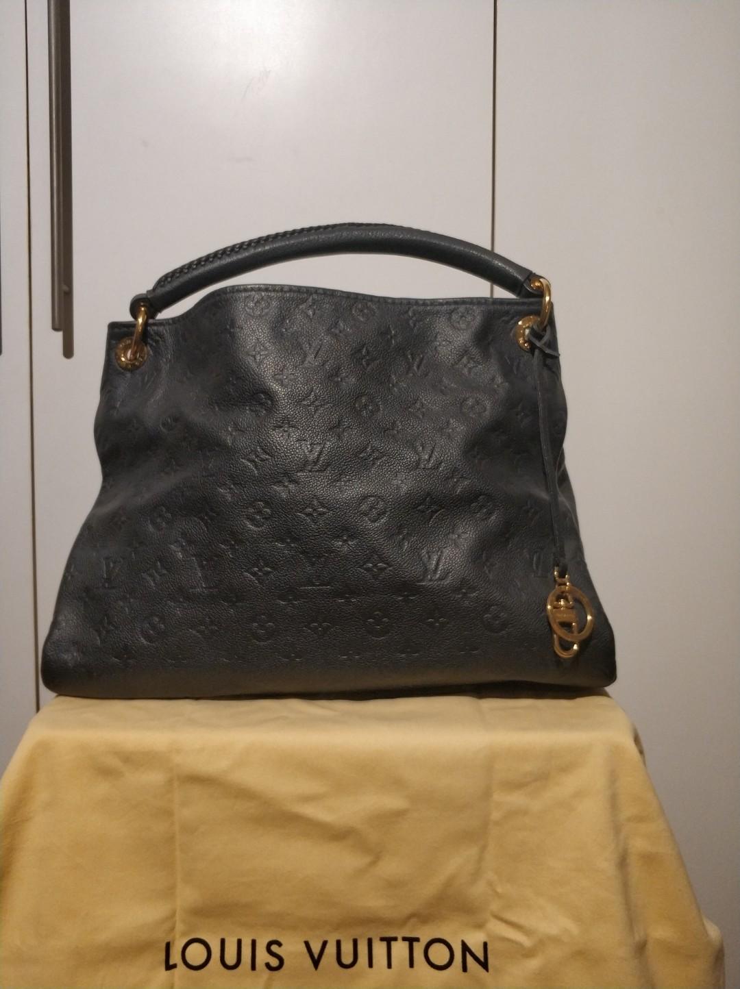 Louis Vuitton Artsy MM Empreinte Monogram Bleu Infini  LV  luxury ... f018eef407d