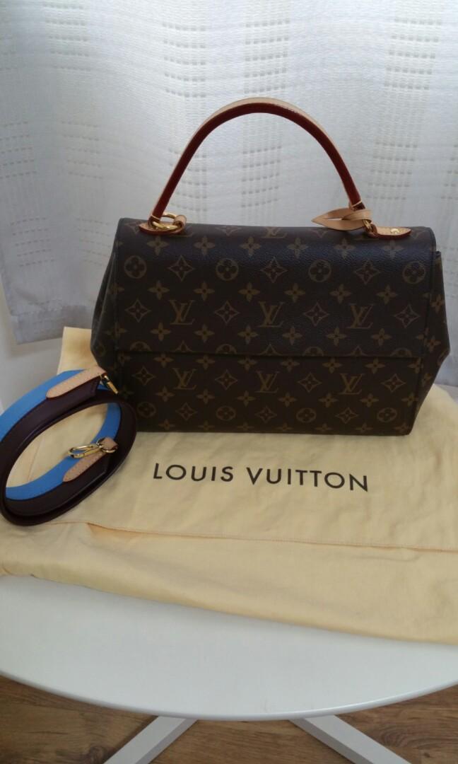 1cefbcbeca24 Louis Vuitton cluny MM Monogram Canvas