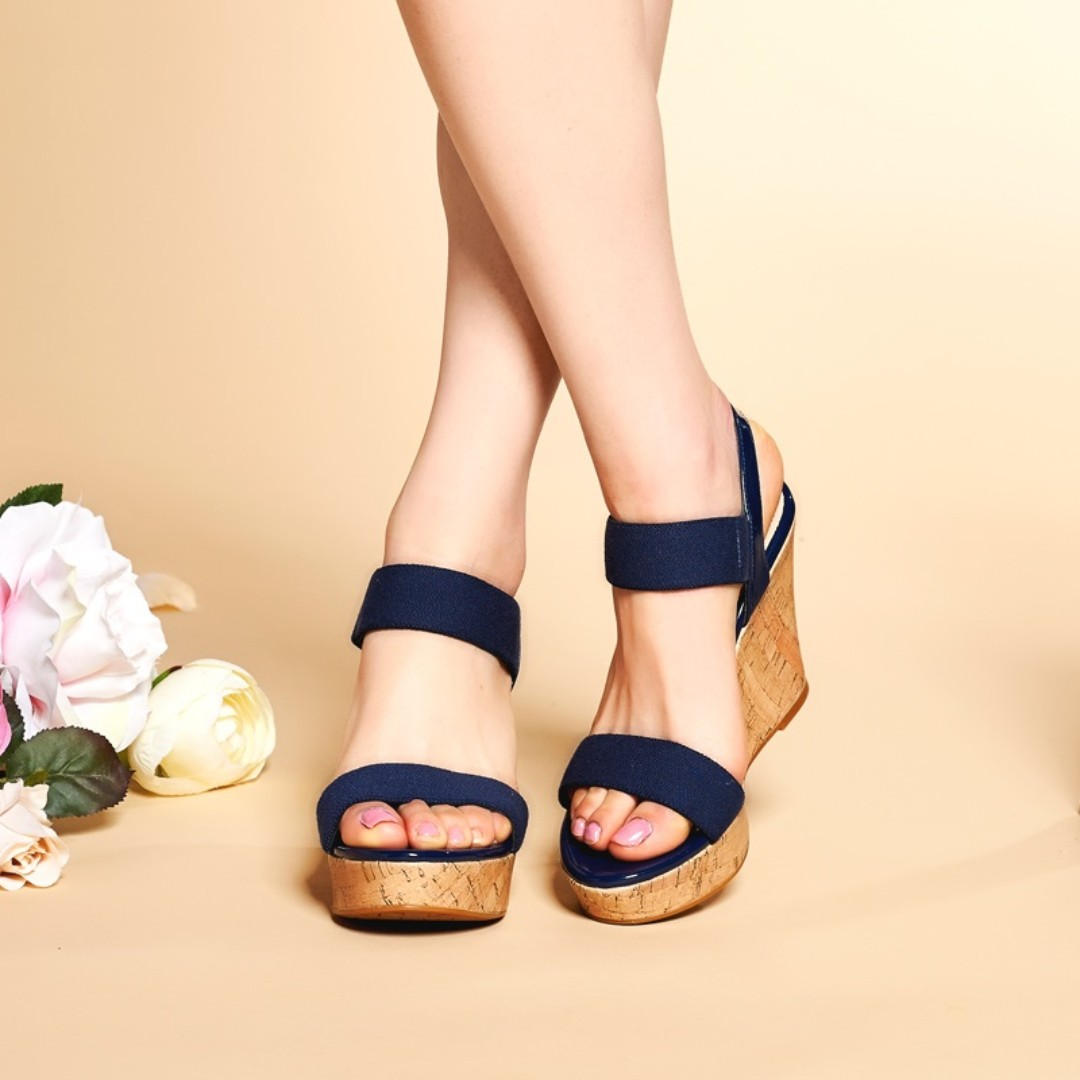 53037203b5e4 Red Wedges Sandals High Platform Open Toe Ankle Strap Shoes EU 37 ...