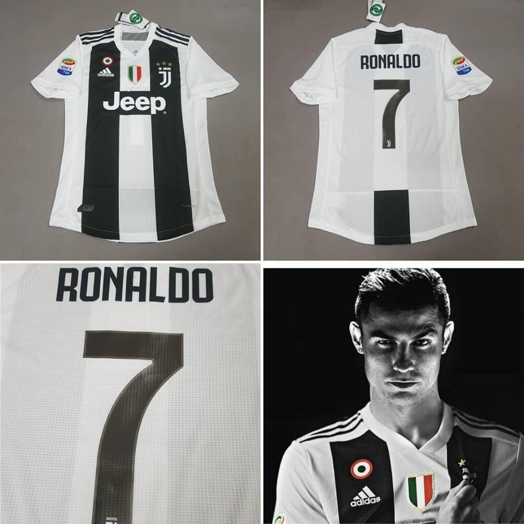 brand new 9879a 907cd INSTOCK) Ronaldo #7 Juventus 1819 Kit (with badges), Sports ...