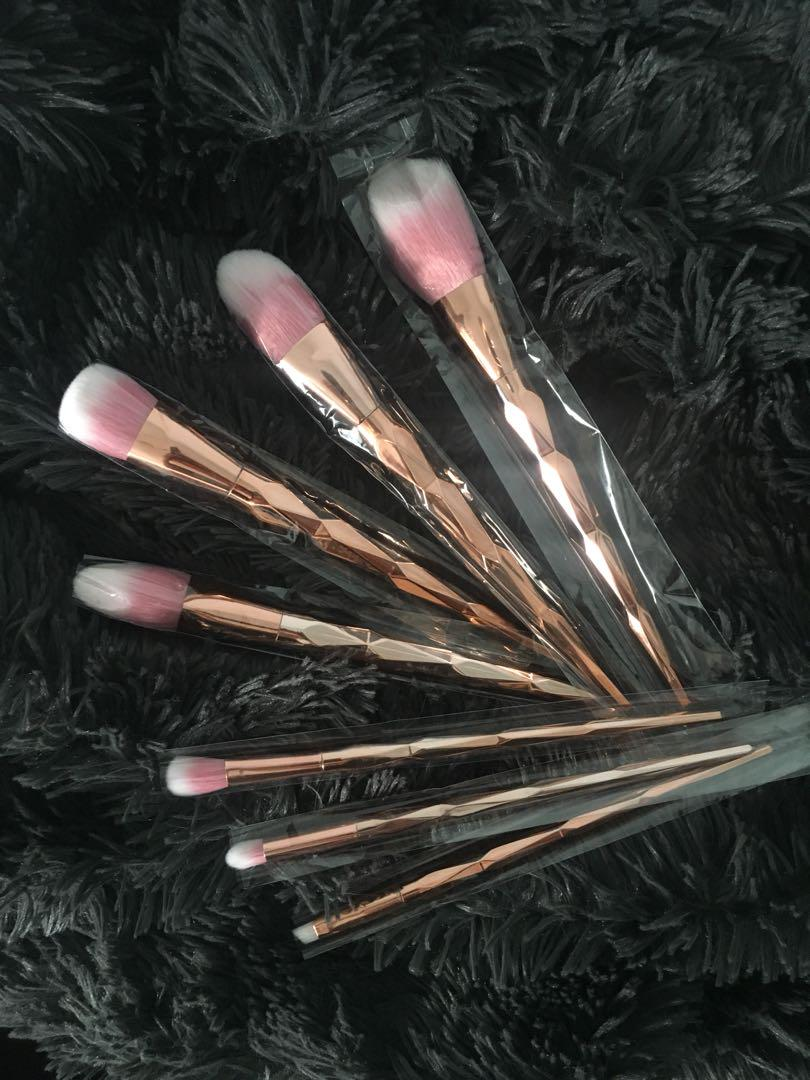 Rose Gold Makeup Brushes ✨