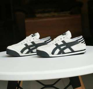Onitsuka slip on kids