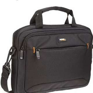 Brand New 11.6 inch AmazonBasics Laptop & Tablet Bag for ipad Samsung Galaxy Tab