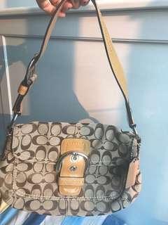 Coach handbag手袋