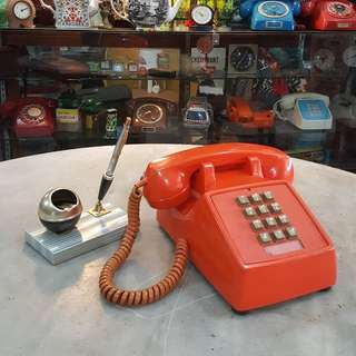 Retro Age Telephone