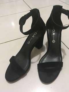 CLN CELINE block heel shoes in black