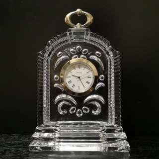 Hoya crystal table clock