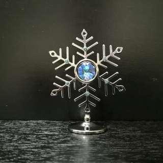 Crystal snowflake figurine