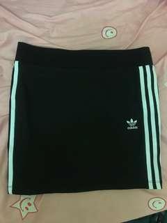 🚚 Adidas 三線裙 窄裙 正品