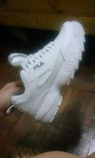 🚚 Fila 鋸齒鞋(附鞋盒)