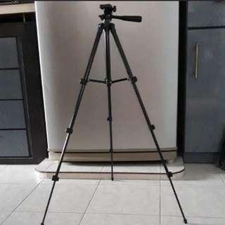 Light Weight Tripod Stand (Black)