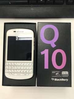 BlackBerry Q10 w/box & accessories