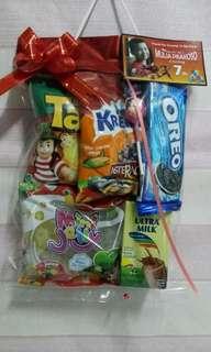 Snack parcel ultah anak,bingkisan untuk berbagi,souvenir berbagai acara