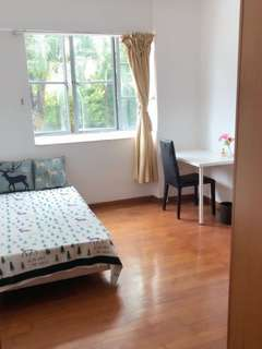 3 minutes walk to Novena MRT master room for rent