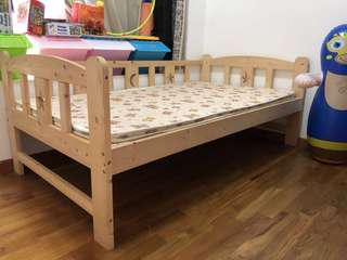 New baby bed and simple mattress