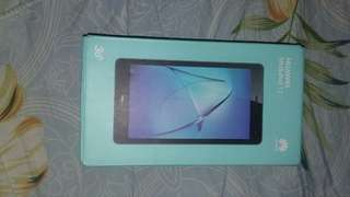 Huawei Mediapad T3 7.0 with free LTE sim and Earphones NEGOITABLE!