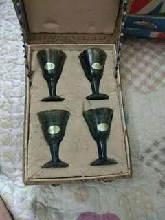酒泉工藝出品,玉杯四隻