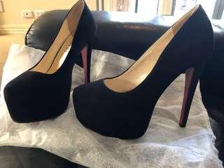 Basement HQ Stiletto Heel Black Suede