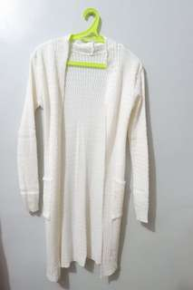 White knitted long cardigan
