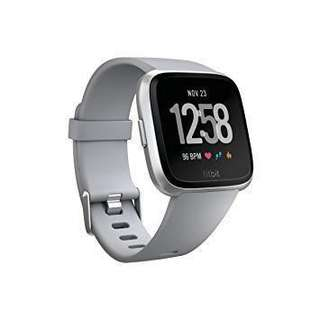 Fitbit Versa Watch (Silver aluminium with gray straps)