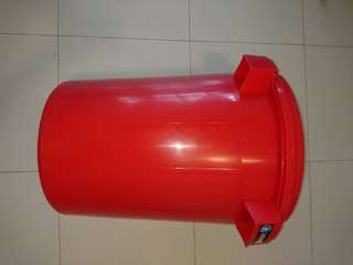 Large pail 50 cm wide 58 cm tall