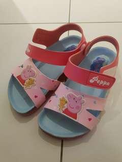🚚 近全新 只穿一次 台灣製  女童 佩佩豬涼鞋