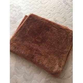 Karpet bulu alas untuk foto