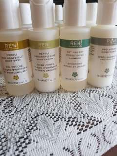 Ren travel essientiels