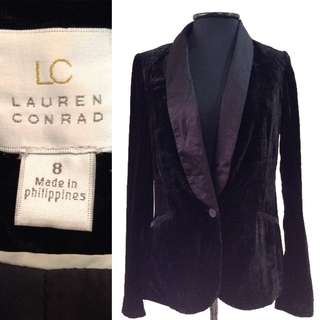 New:Black velvet blazer