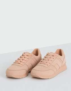 pull&bear pink shoes