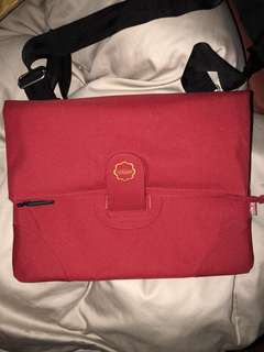 Hugger UK Laptop Messenger Bag