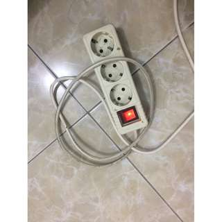 Colokan listrik panjang 1,5 meter