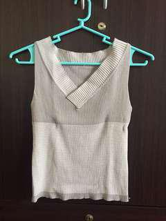 Vneck cropped top sleeveless