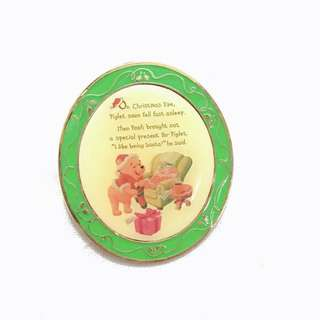 Disney Pin 迪士尼襟章 Winnie the Pooh 維尼小熊 - Story for Christmas Eve