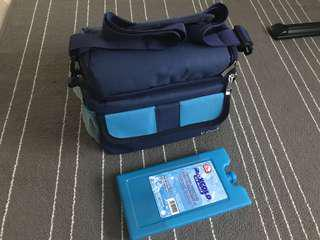 Vcool pump bag with refreezable ice block